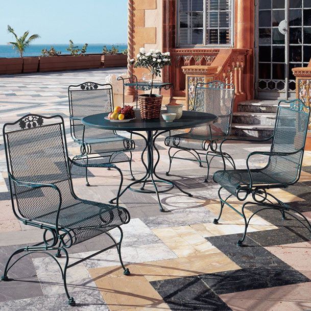 Woodard Briarwood Highback Coil Spring Chair Outdoor
